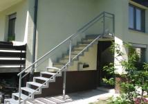 Zunanje stopnice v 1. nadstropje