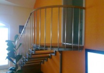 Notranje kovinske stopnice z INOX ograjo