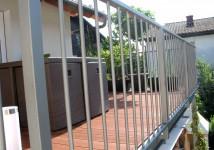 Enostavna gladka jeklena balkonska ograja,