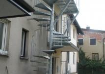 Okrogle zavite stopnice v 2. nadstropje