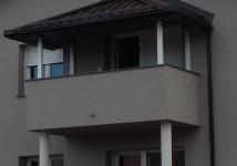 Nadstrešek na balkonu